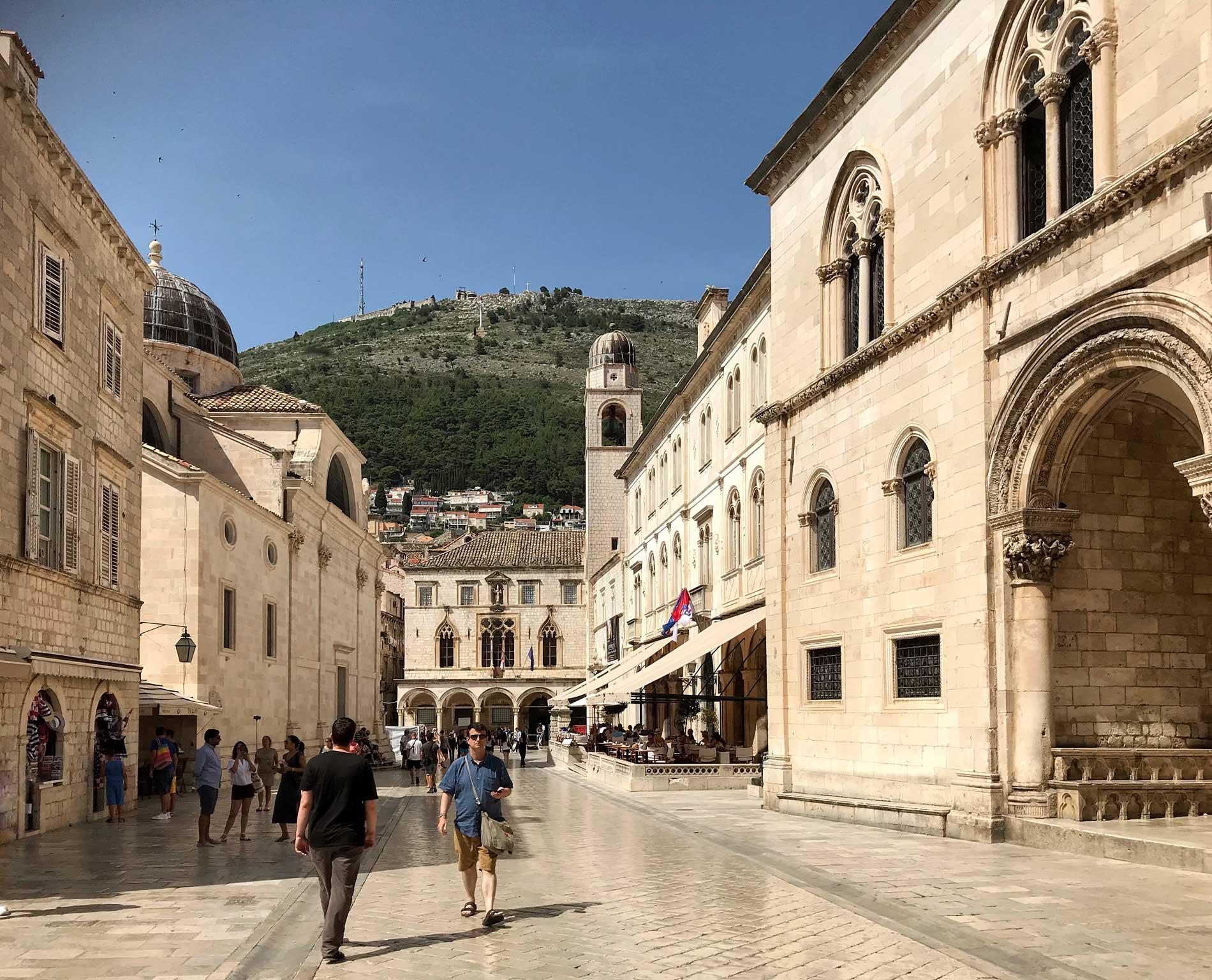 Dubrovnik-Croazia-panorama-dalla-Cattedrale-palazzo-dei-rettori