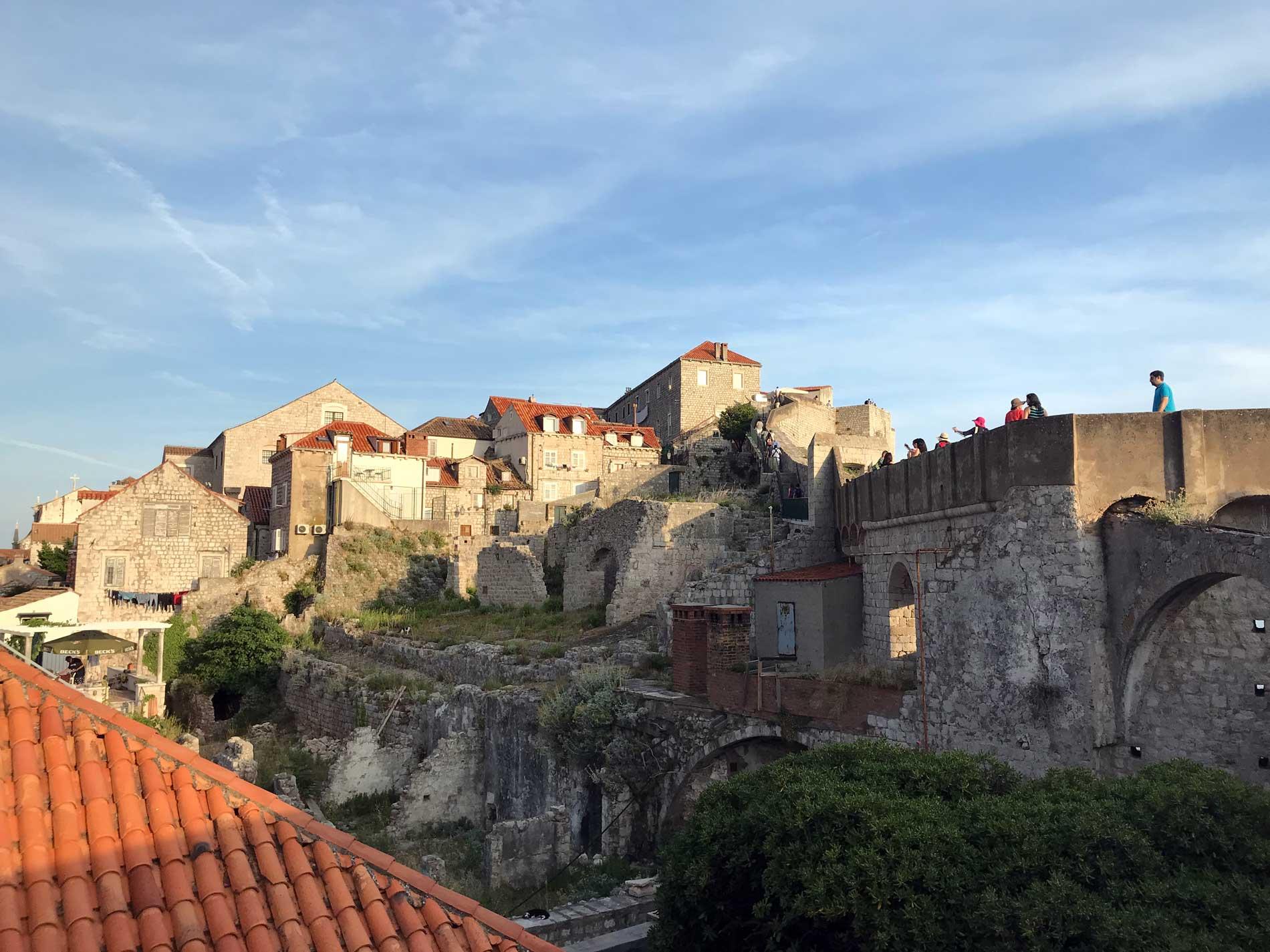 Dubrovnik-Croazia-vista-dalle-mura-Città-Vecchia-case