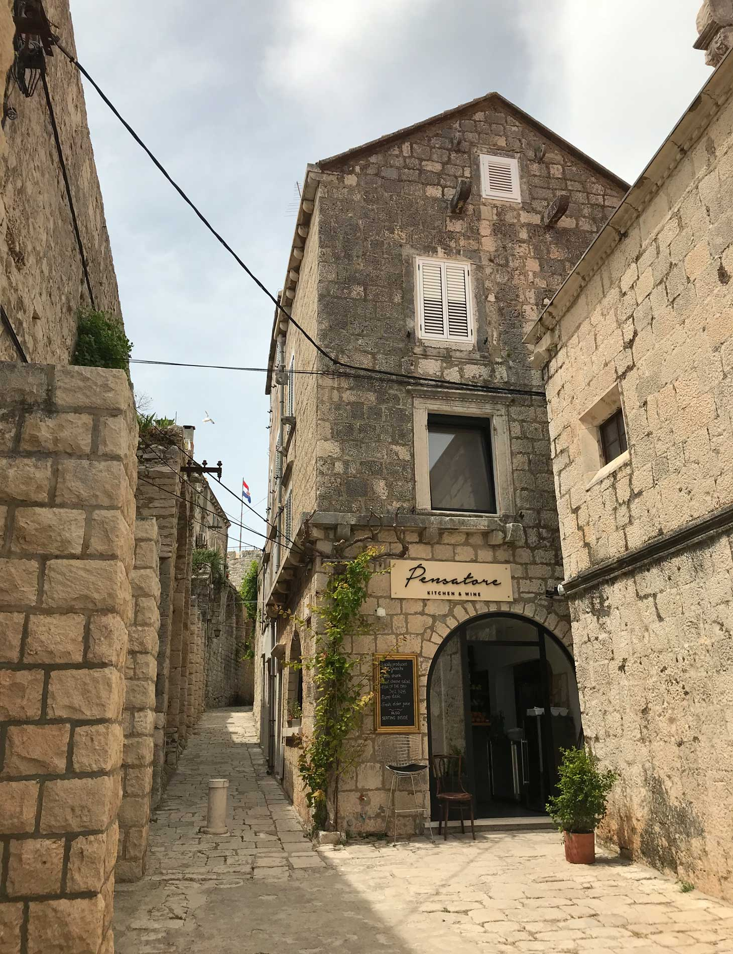 Korcula-Curzola-Croazia-bella-casa-strada-graziosa