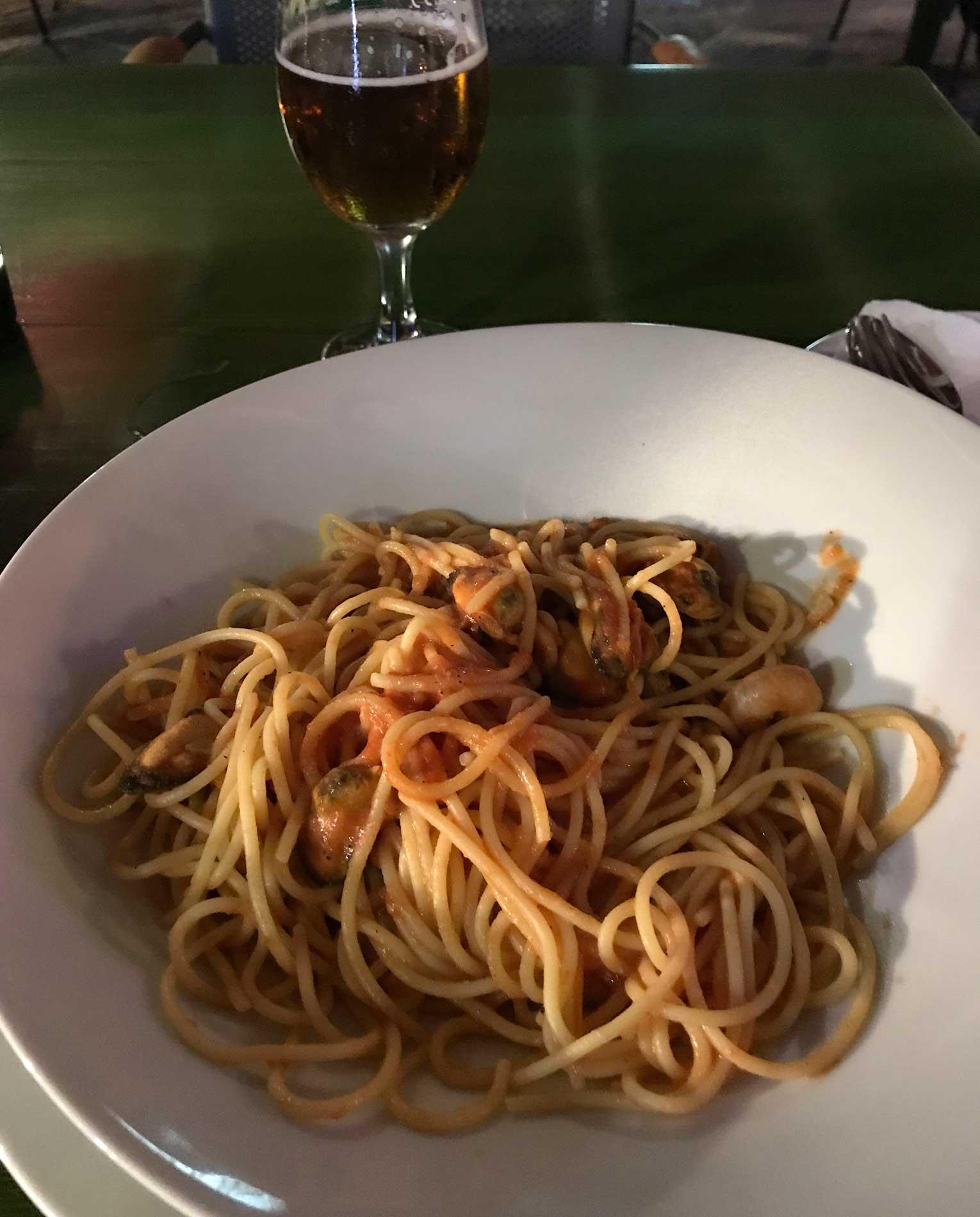 Cavtat-Dubrovnik-Croazia-spaghetti-frutti-di-mare