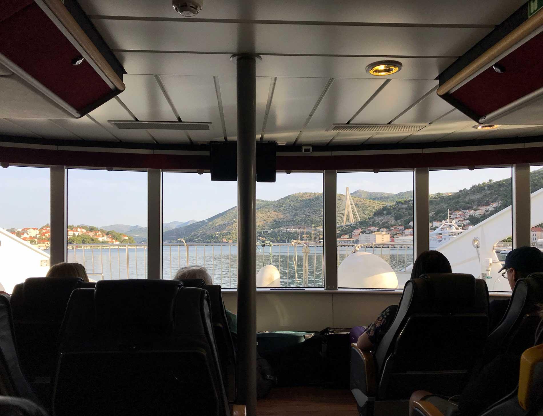 Dubrovnik-Port-Gruz-catamarano-Jadrolinija-mare