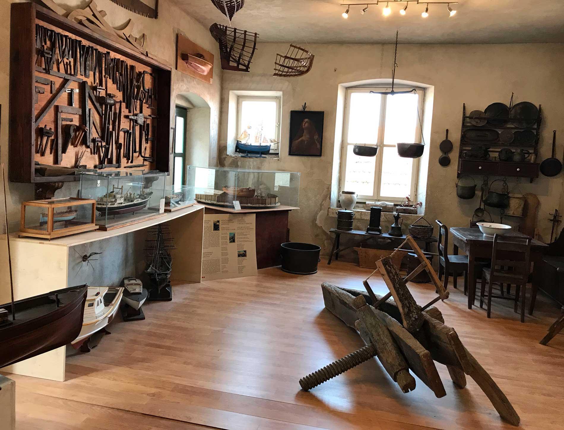 Korcula-Curzola-Croazia-museo-civico-attrezzi-cantieristica-navale