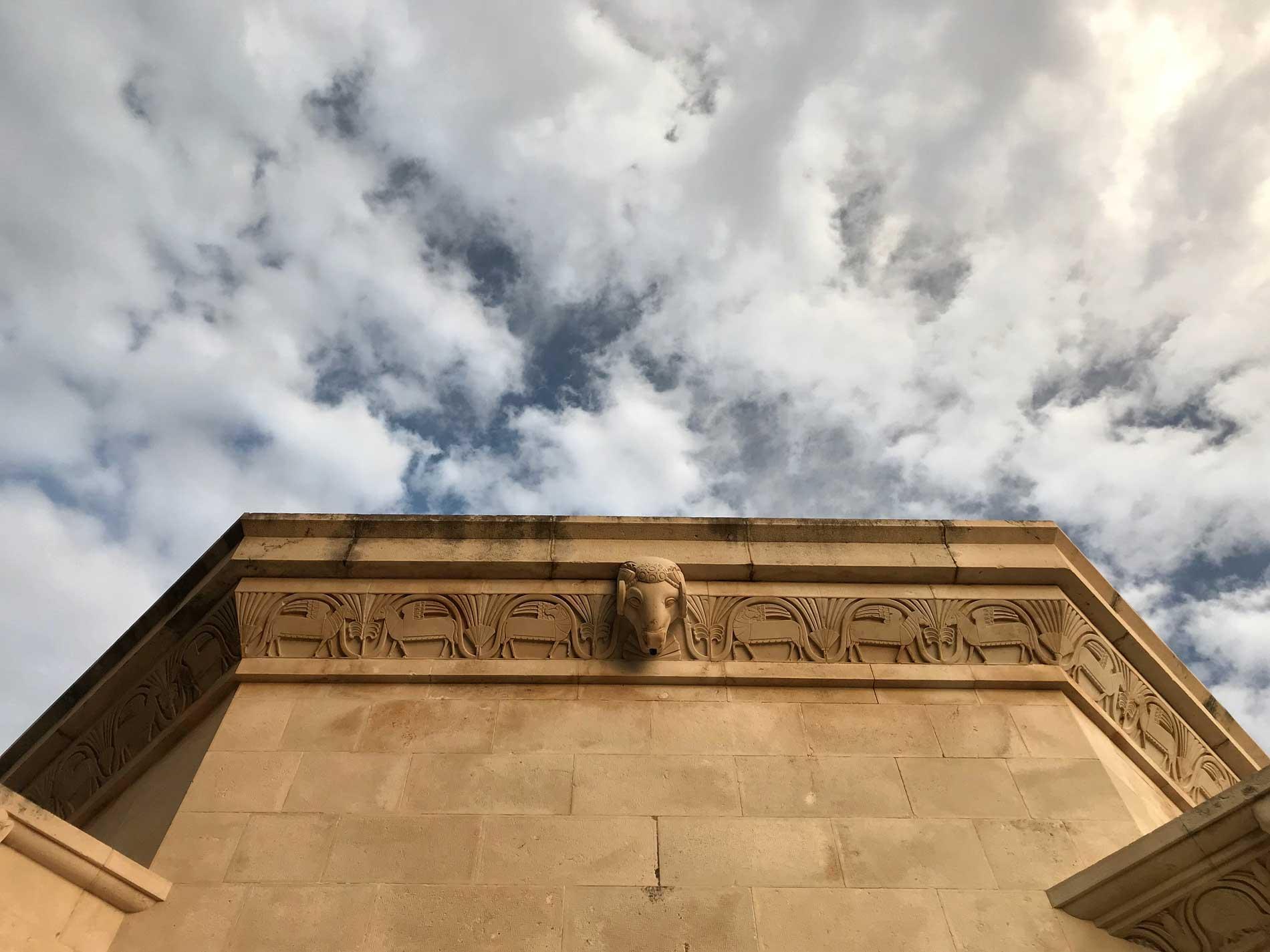 Cavtat-Dubrovnik-Croazia-Mausoleo-Racic-Ivan-Mestrovic-dettaglio