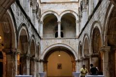 Dubrovnik-interno-Palazzo-Sponza
