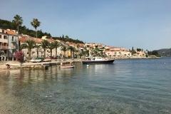 Korcula-Croazia-mare-azzurro-palme-case