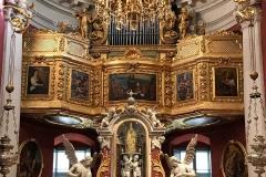 Stradun-Dubrovnik-Chiesa-di-San-Biagio-interno-abside-statue-organo