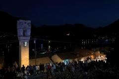 campanile-di-ossuccio-e-chiesa-di-santa-maria-maddalena-illuminante-di-notte