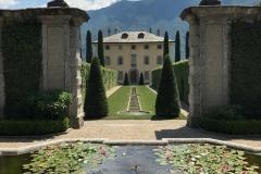 villa-balbiano-ossuccio-lago-di-como-viale-dingresso-e-facciata