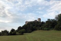 Rocca-Borromea-di-Angera-nella-natura-cielo
