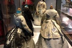 Rocca-di-Angera-famiglia-Borromeo-Museo-delle-Bambole-del-Giocattolo-bambola-con-abiti