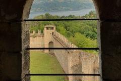 Rocca-di-Angera-famiglia-Borromeo-panorama-mura-finestra