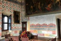 Rocca-di-Angera-famiglia-Borromeo-sale-storiche-tavolo-quadro-affreschi