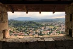 Rocca-di-Angera-famiglia-Borromeo-vista-su-Angera-torre-Visconti