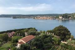 Rocca-di-Angera-vista-dalla-torre-Visconti-sul-giardino-medievale