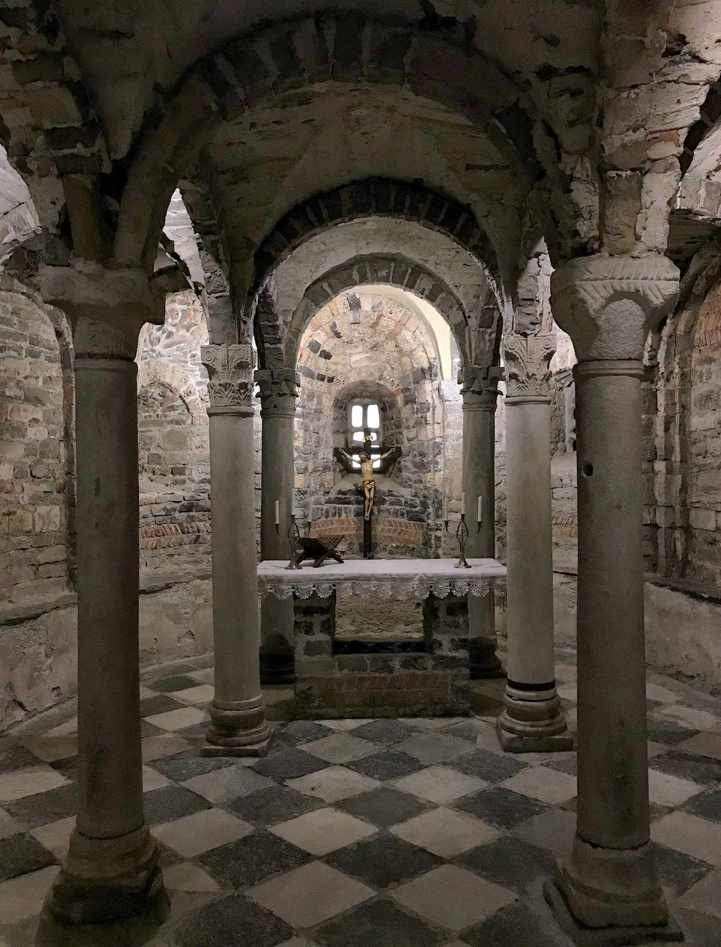 Lenno-chiesa-Santo-Stefano-cripta-medievale