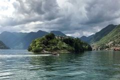 Lido-di-Ossuccio-Lago-di-Como-barca-Isola-Comacina-bellissimo-panorama