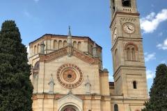 Tremezzo-Lago-di-Como-facciata-chiesa-San-Lorenzo