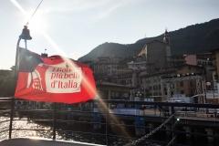 Lovere-Lago-dIseo-battello-lungolago-bandiera-borghi-piu-belli-dItalia