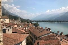 Lovere-panorama-dalla-Torre-Civica-verso-nord-tetti-rossi-Lago-di-Iseo