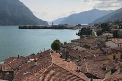 Lovere-panorama-dalla-Torre-Civica-verso-sud-Lago-di-Iseo-montagne-tetti