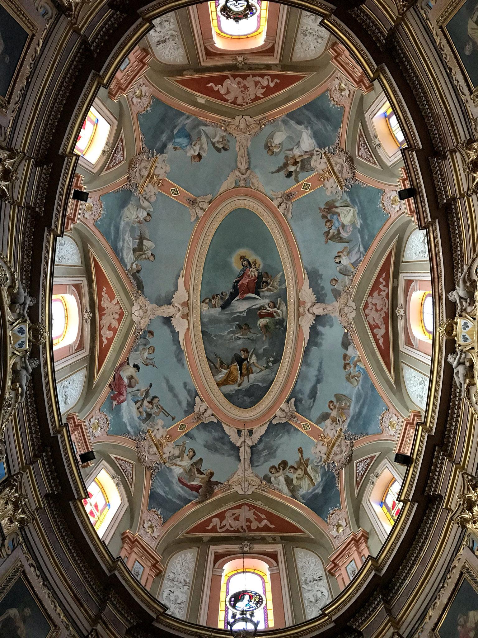 Mdina-Malta-stile-barocco-cupola-chiesa-carmelitani