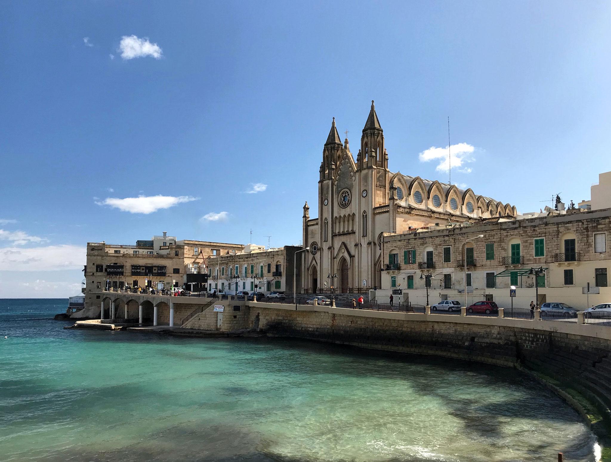 St-Julians-Malta-chiesa-mare-azzurro