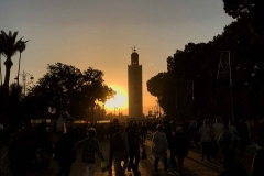 Piazza-Jamaa-el-fna-marrakech-tramonto-verso-koutoubia