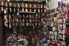 Marrakech-marocco-medina-negozio-babbucce-colorate