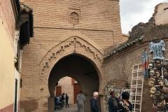 Marrakech-medina-rue-mouassine-negozio-arco-stile-arabo