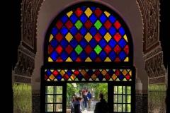 Palazzo-Bahia-marrakech-medina-portale-vetro-colorato-decorazione-in-stucco-stile-arabo