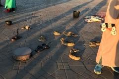 Piazza-Jamaa-el-fna-marrakech-medina-serpenti-cobra-neri
