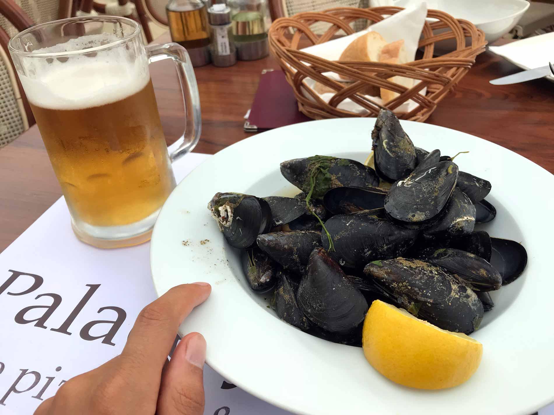 Ristorante-Palace-Jelena-Perast-Montenegro-cozze-birra
