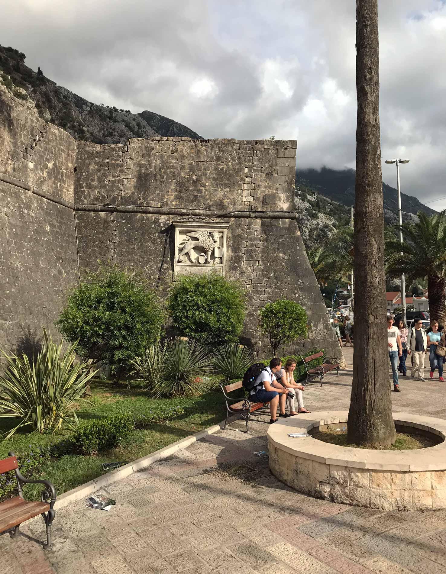 Bastione-Valier-mura-veneziane-di-Kotor-Montenegro-Leone-di-San-Marco