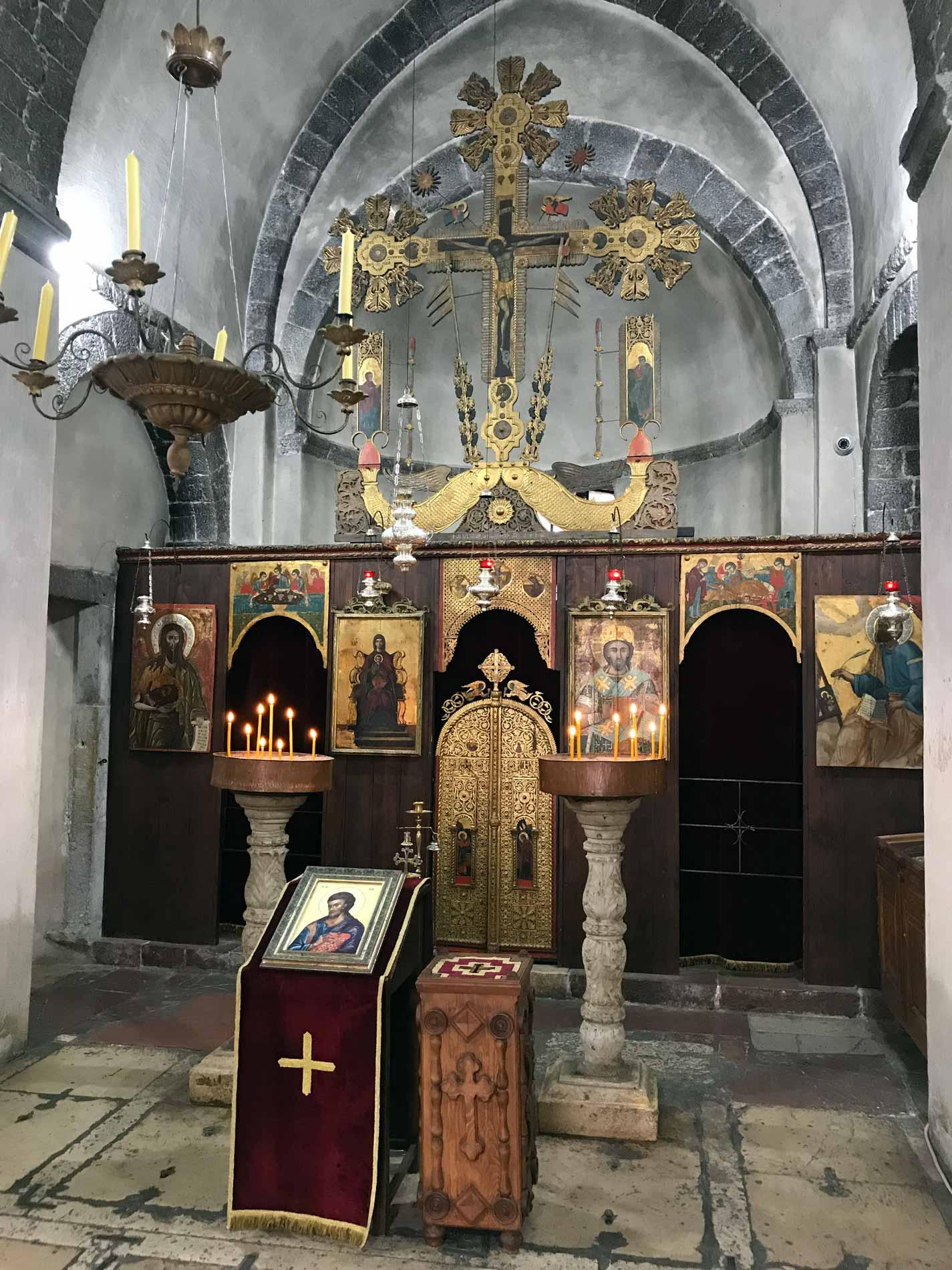 Kotor-Montenegro-Chiesa-di-San-Luca-altare-legno