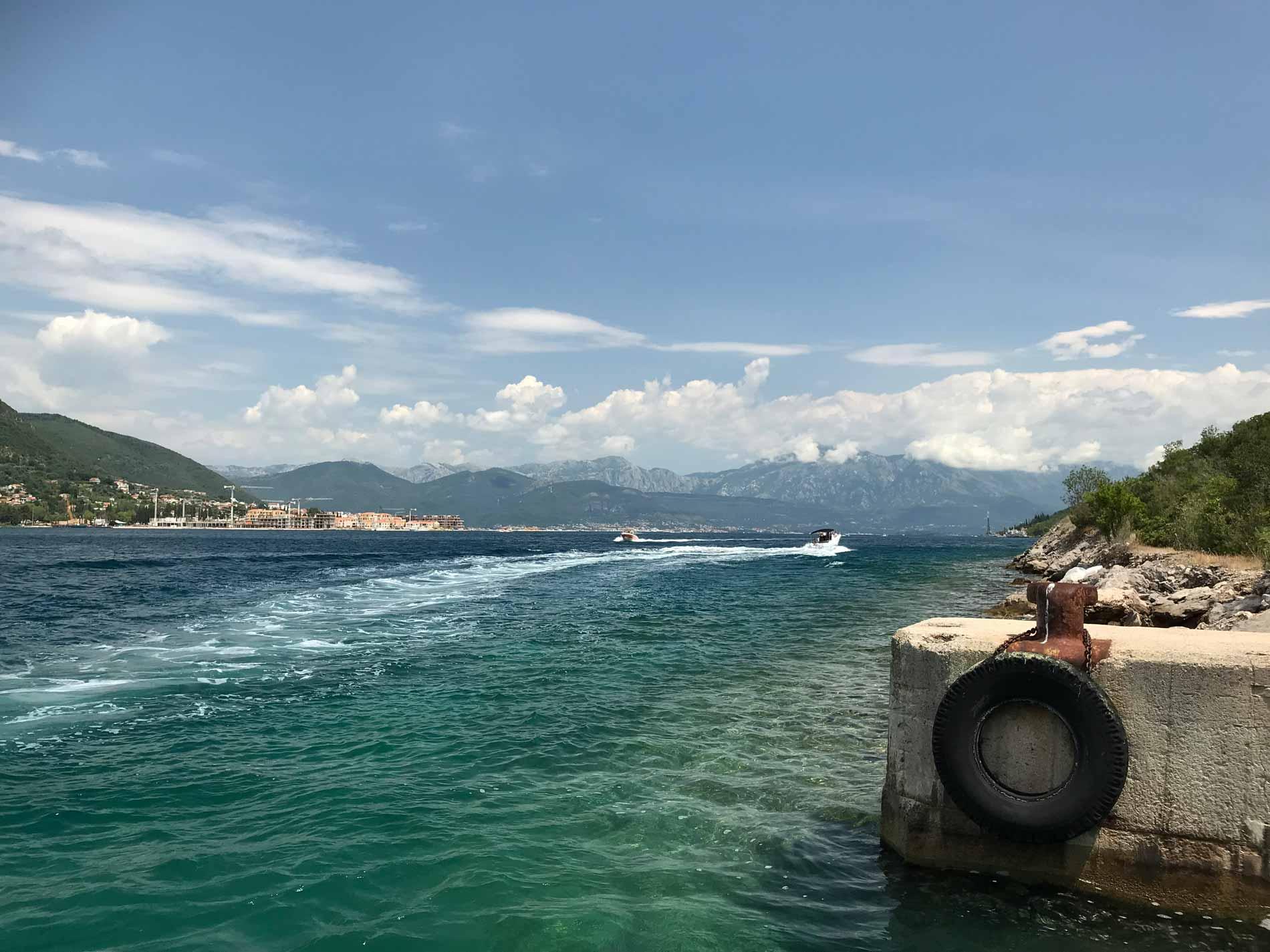 Bocche-di-Cattaro-Montenegro-nascondiglio-sottomarini-sovietici-nella-roccia-vista