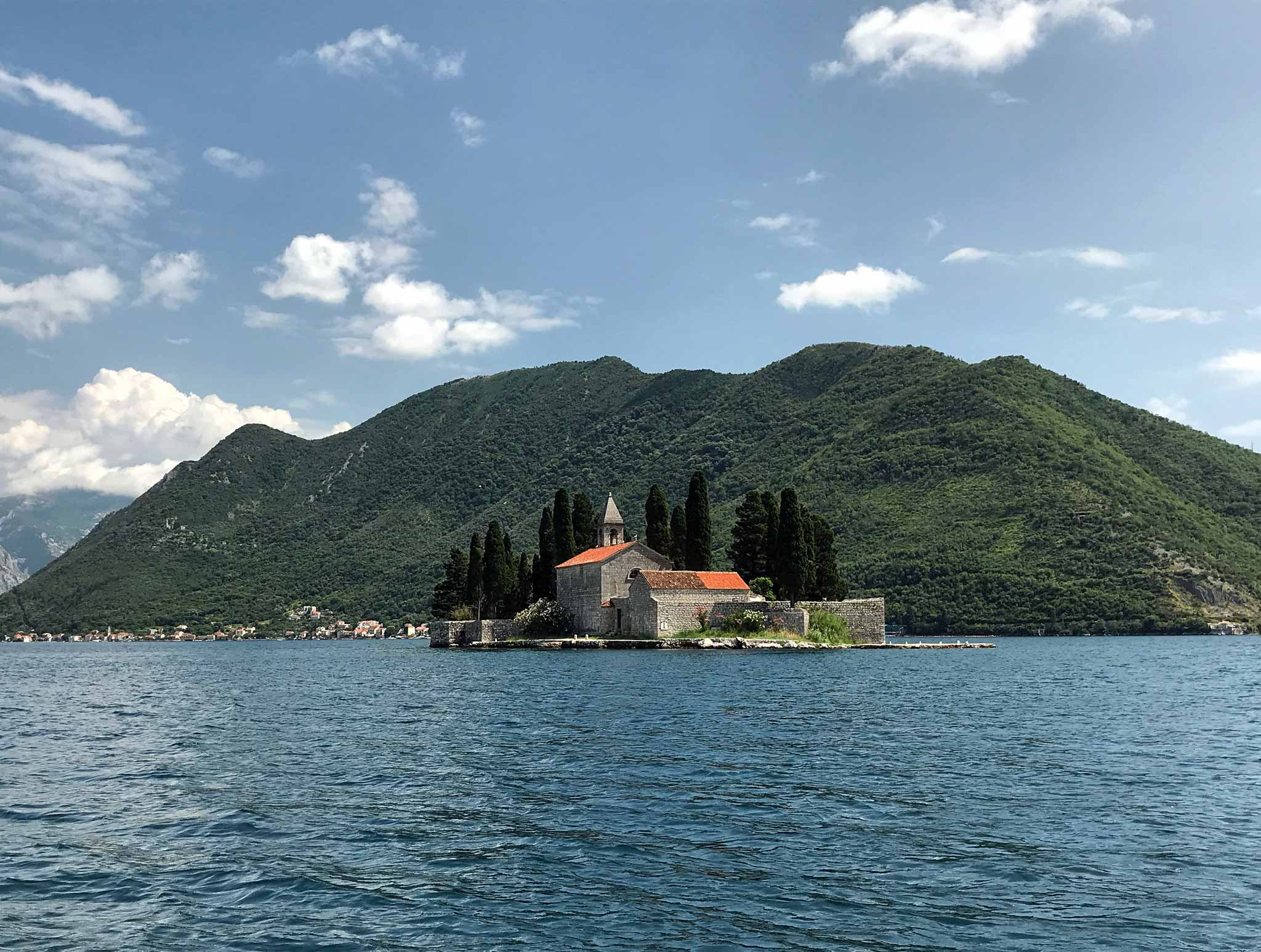 Perast-Bocche-di-Cattaro-Montenegro-Isola-di-San-Giorgio
