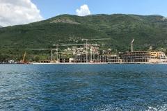 Bocche-di-Cattaro-Montenegro-edifici-in-costruzione-Lustizza