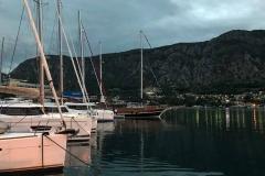 Kotor-Montenegro-molo-barche-attraccate
