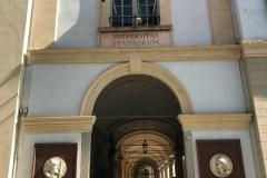 Università-di-Pavia-entrata-principale-corso-strada-nuova-persone