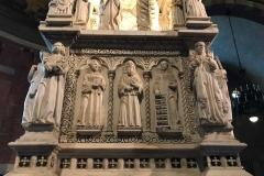 Pavia-San-Pietro-in-ciel-doro-arca-SantAgostino-marmo-dettaglio-statue