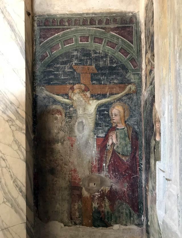 chiesa-di-san-giacomo-soncino-interno-affresco-ritrovato-con-crocefissione