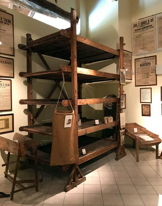 museo-della-seta-di-soncino-antico-macchinario-per-i-bozzoli