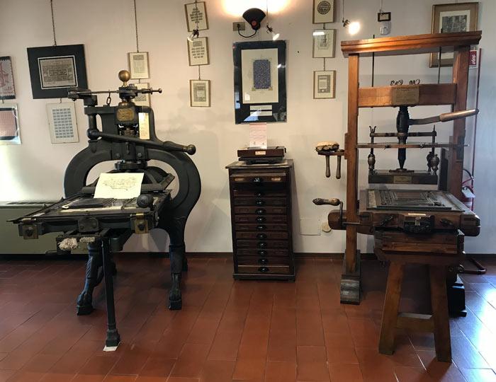 museo-della-stampa-di-soncino-riproduzione-di-un-torchio-mediceo-quattrocentesco