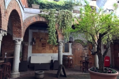 bar-affascinante-tra-le-vie-del-borgo-di-soncino