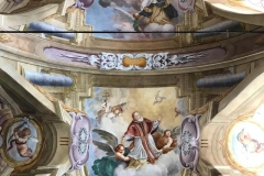 chiesa-di-san-giacomo-soncino-dettaglio-degli-affreschi-barocchi-con-papa-pio-v