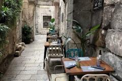 palazzo-di-diocleziano-a-spalato-tavolini-allaperto-tra-le-vie