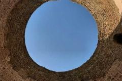 palazzo-di-diocleziano-spalato-croazia-vestibolo-circolare-cielo-azzurro