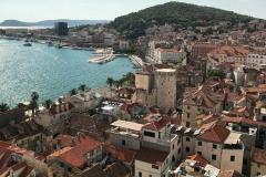 panorama-dal-campanile-di-spalato-croazia-mare-e-tetti-rossi
