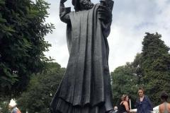 statua-di-ivan-mestrovic-del-vescovo-ninski-davanti-alla-porta-aurea-di-spalato