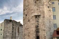 torre-della-marina-piazza-della-frutta-a-spalato-dalmazia-croazia